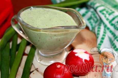Сметанный соус с редисом и зеленым луком - рецепт с фото Для салатов и гарниров подойдет легкий сметанный соус с редисом и луком. Минимум компонентов обеспечивают максимум вкуса и пользы. Пошаговый рецепт