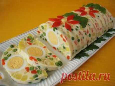 РУЛЕТ-САЛАТ(ЖЕЛЕ)  Советую приготовить салат-желе с овощами по этому рецепту. Посмотрите, как необычно и вкусно!