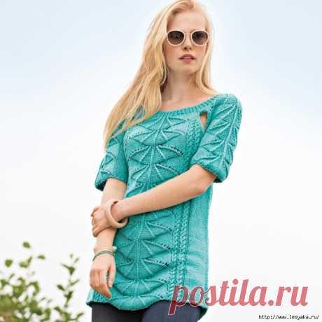 Эффектный бирюзовый пуловер веерным узором Самое важное в удлиненном пуловере с короткими рукавами — веерный узор. Швы реглана можно выполнить полностью или оставить соблазнительные разрезы. Размеры  36/38 (40/42) 44/46  Нравится публикация?