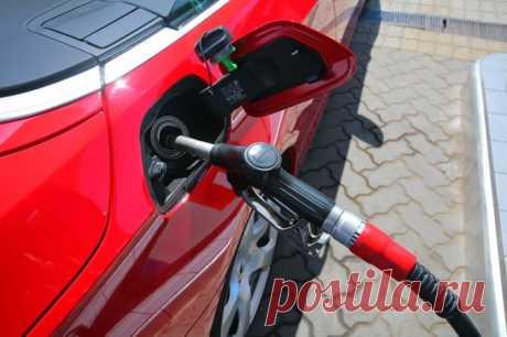 В чём преимущество использования фирменного бензина с присадками