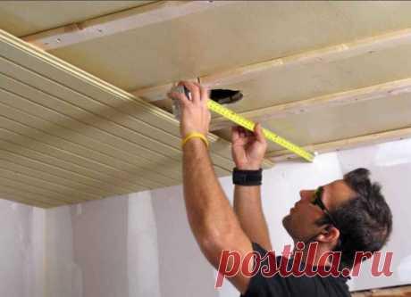 """Какая отделка для потолка меньше всего """"съедает"""" высоту Покраска потолков – лучший вариант для тех, кому не хочется, чтобы высота потолка стала меньше. Окрашенный потолок может оживить дом в одно мгновение"""