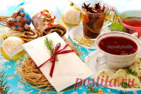 Традиционные блюда Сочельника  Кутья (сочиво, кутя)Одно из главных рождественских блюд — хозяйка Рождественской трапезы. Готовят кутью на Рождество и Крещение.С кутьи начинали богатую вечерю и Рождественское застолье следующего д…