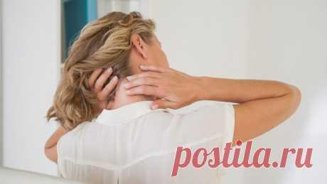 Как разминать шею и плечи для профилактики головных болей Работа за компьютером, малоподвижный образ жизни, плохая осанка – все это ведет к мышечным зажимам, нарушении циркуляции крови в шейном отделе. И, следовательно, к головным болям. Кроме них, также может присутствовать онемение частей лица, ухудшение зрения. Чтобы избавиться от головных болей, достаточно ежедневно делать специальную разминку шеи и плеч. Она включает простые движения и самомассаж. …