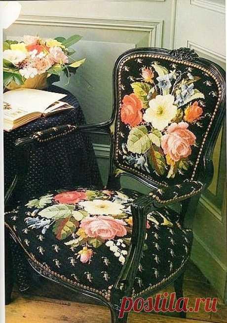 Вышивка крестом -- варианты для вышивки стула..Схемы Варианты вышивки на стуле - традиционного викторианского стиля и не совсем викторианского, но прикольно.               А не хотите ли просверлить на стуле дырочки и вышить лентами?