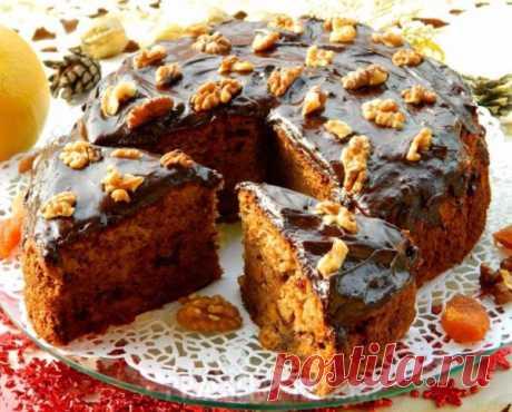 Домашний чайный пирог с грецкими орехами и сухофруктами.