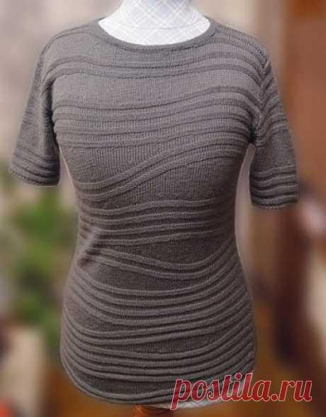 Джемперок с волнами укороченными рядами