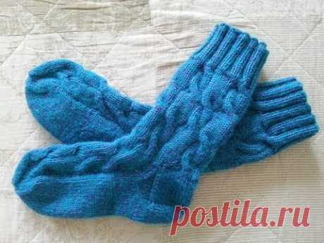 """Astounding knitted spokes socks with \""""braids\"""" and the extended shin! Master class. Part 1."""