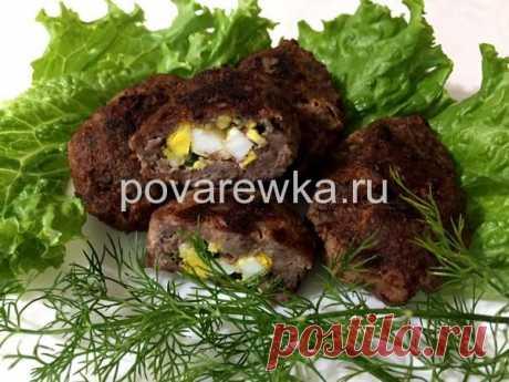 Котлеты с яйцом и зеленым луком внутри: рецепт с фото на сковороде