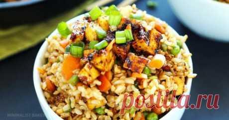 7 рецептов, после которых вы полюбите готовить рис Блюда с рисом - это не только азиатская кухня и не обязательно плов. Даже обычный рис может стать истинным деликатесом, если его правильно приготовить: он источает чудесный аромат, обладает неповторимым вкусом и выглядит просто потрясающе...