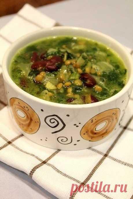 Суп из чечевицы, шпината и фасоли