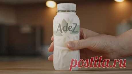 """Лента.ру on Twitter: """"Уже в этом году Coca-Cola начнёт продавать напитки в бумажных бутылках. Пока в них ещё есть немного пластика: крышка и внутренний слой, который защищает бумагу от влаги. Но в будущем компания планирует создавать на 100% перерабатываемые бутылки. Экологично! https://t.co/41QChYatUJ"""" / Twitter"""