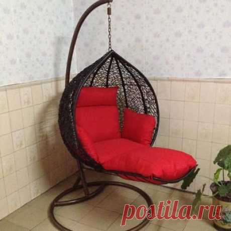 Подвесное кресло с подставкой для ног