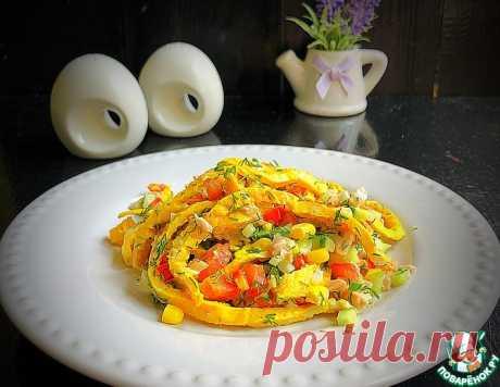Куриный салат с яичным блинчиком – кулинарный рецепт