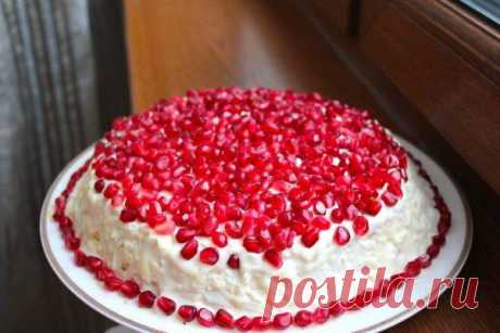 Салат Красная шапочка с гранатом и грецким орехом, рецепт с фото и видео | Вкусные кулинарные рецепты