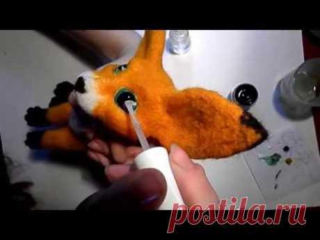 Роспись глазок для авторской игрушки. Валяный лисенок фенек