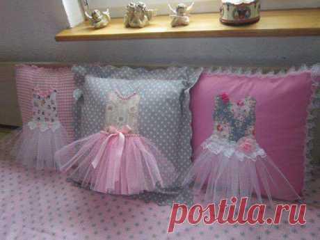 Подушки в детскую для девочки
