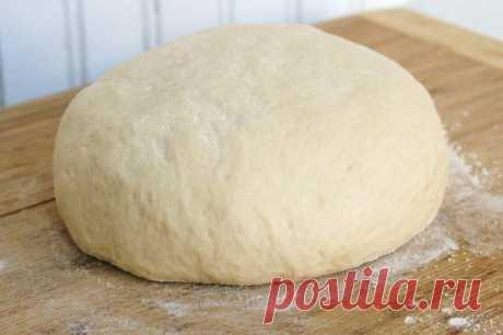 Тесто на кефире для пирожков на сковороде — 8 рецептов Иногда на обед хочется вкусной и питательной домашней выпечки. И возникают сомнения в выборе ингредиентов для основы. Попробуйте сделать пирожки на сковороде из теста на кефире. Блюдо получится получается мягким, пышным, воздушным и потрясающим на вкус...