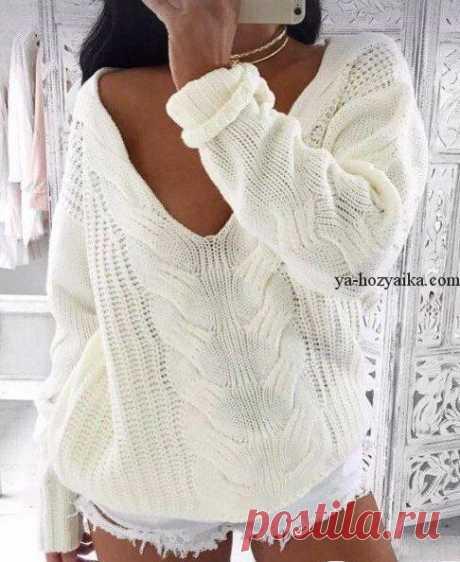 Свитер крупной вязки спицами. Пуловер с красивой косой спицами