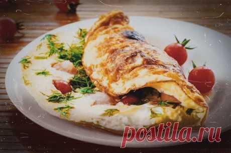 Топ-завтрак от шефа: яичный блин с салями и сыром/Дешевые рецепты