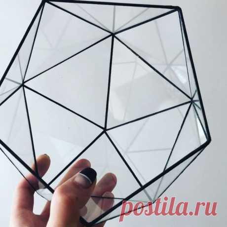 Форма икосаэдр. 📌Правильный многогранник из треугольников. 📌 Доступен как в таком виде, так и с растениями внутри. #геометрия #икосаэдр #флорариум #оригинальныйподарокминск #icosahedron