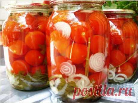 Бесподобные помидоры моей бабушки Советую взять на заметку помидоры моей бабушки рецепт, просто пальчики оближешь… Помидоры хорошо помыть, банки также вымыть и простерилизовать. На дно