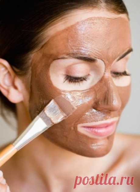 The most popular express mask for a fast face rejuvenation in house conditions
