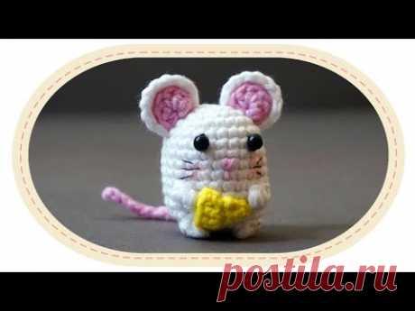 Вязаная мышка амигуруми. Crochet amigurumi mouse.