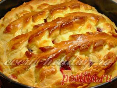 Сладкий дрожжевой пирог с яблоками: фото рецепт