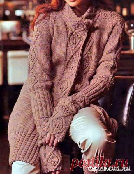 Жакет шоколадного цвета вязаный спицами