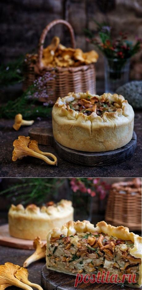 Вкуснятина: пирог с грибами, баклажанами, моцареллой и петрушкой