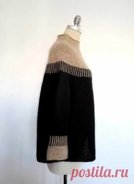 Свитер Седар Поинт Оригинальная модель женского свитера пончо или свободного свитера с круглой кокеткой, связанного на спицах 5.5 мм. Свитер вяжется по кругу...