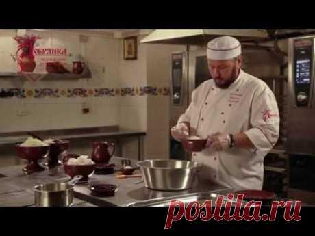 Максим Сырников готовит настоящие русские сырники!