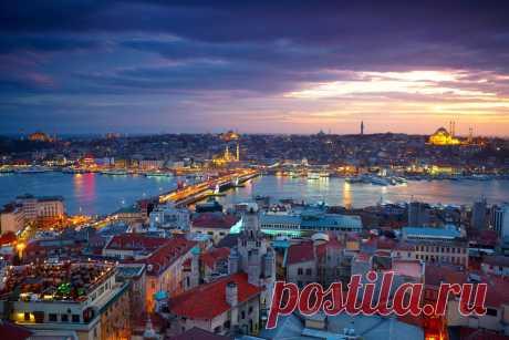 Это то, что туристы никогда не должны делать в Турции Турция - это страна, которая может предложить все: от красивых пляжей до древних руин, идиллических деревень до современных небоскребов и