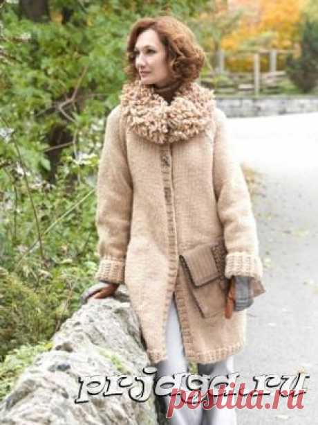 Женское вязаное пальто спицами с описанием от Bernat