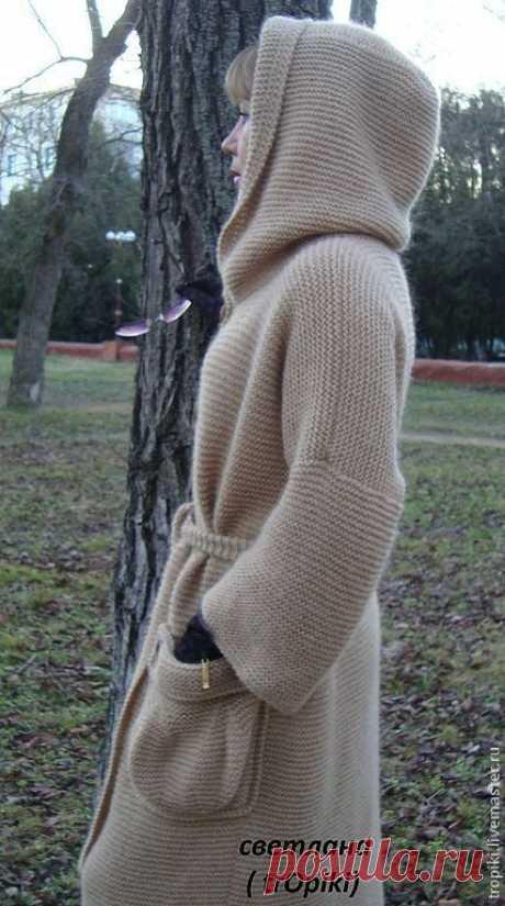 Пальто вязаное ' Любимое' с капюшоном