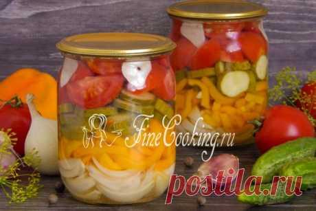 Салат из огурцов, помидоров, перца и лука на зиму.
