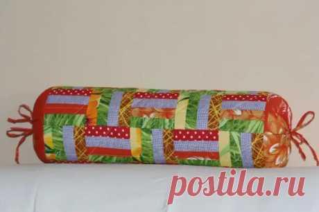 Подушка-валик – стильный декор для гостиной и комфортное изделие для сна (36 фото) - cozyblog - медиаплатформа МирТесен