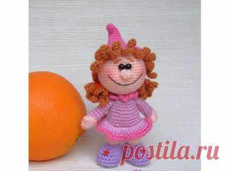 👌 Вязаные куклы с описаниями, увлечения и хобби В прошлых топиках я рассказывала о куклах из бумаги и ткани, а также об интерьерных игрушках под названием Тильда. Я делаю галереи на эту тему с огромным удовольствием. Мысленно во...