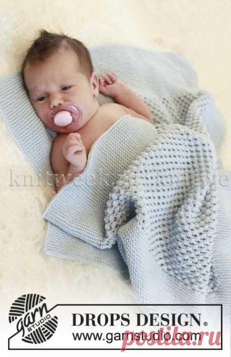 Плед спицами для малыша с пышным ажуром.