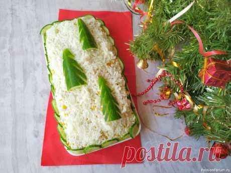 """Праздничный салат с курицей """"Елочки в снегу"""" на Новый год 2021! Самое время определиться какие салаты подавать на новогодний стол. Я хочу предложить свежий салатик с курицей и кукурузой «Елочки в снегу». Слоеные салаты всегда красиво смотрятся на праздничном столе и этот салат не исключение.Ингредиенты:Куриное филе– 200 гКонсервированная кукуруза –..."""