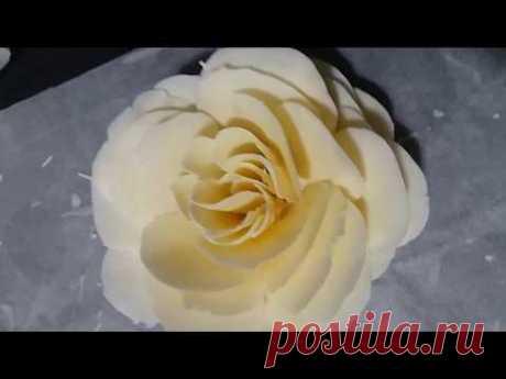 Fleur en chocolat blanc très facile