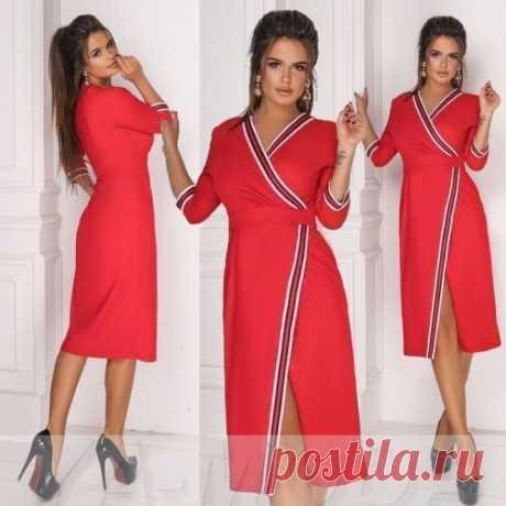 Замшевое платье халат с лампасами
