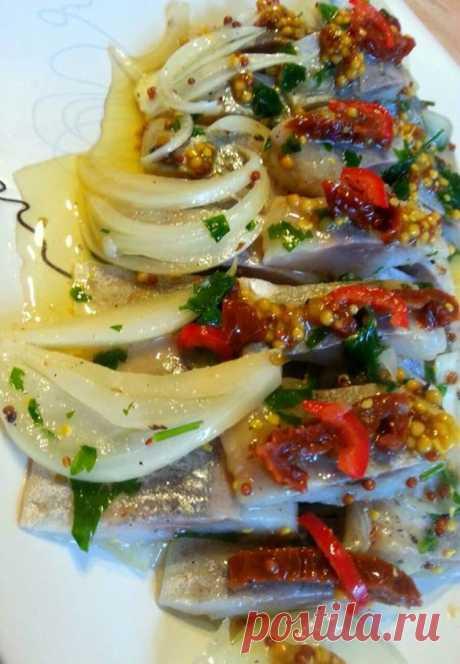 Селёдка с сушёными помидорами острая. С папричкой чили и французской горчицей - Простые рецепты Овкусе.ру