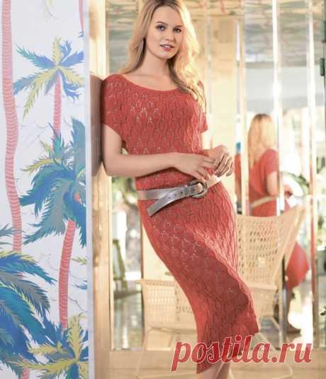 Вязаное спицами красное платье