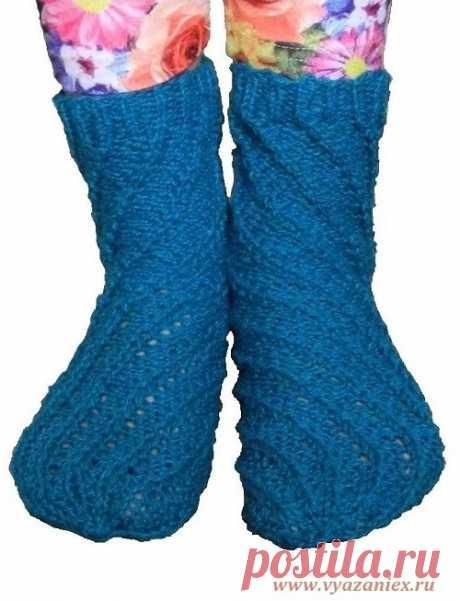 Спиральные носки в рубчик