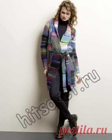Пальто из твида - Хитсовет Пальто из твида. Модная модель женского пальто из твида платочной вязкой с косами со схемой и бесплатным описанием вязания в двух цветовых решениях. Вам потребуется: 750 (800, 850, 900) грамм