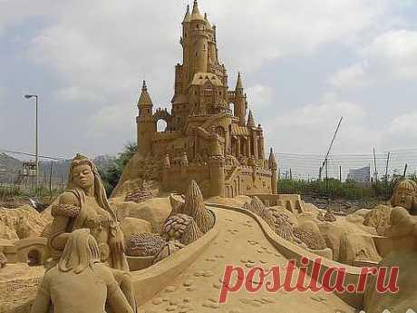 Шедевр из песка...