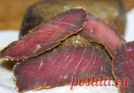 Вяленое мясо на замену колбасе: доходит за 4 дня
