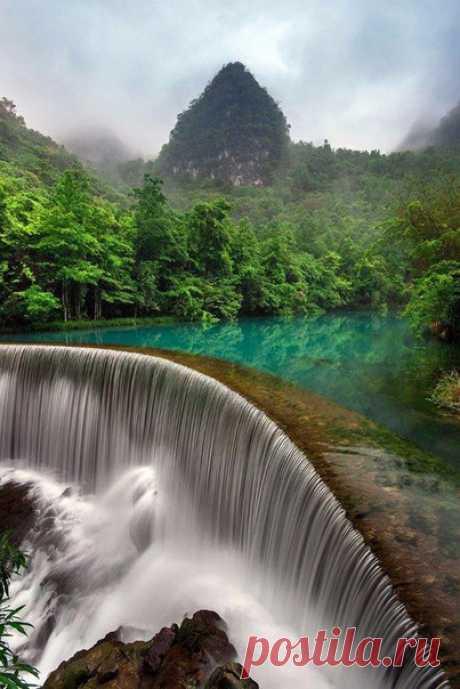 Водопад Хуангошу. Захватывающий вид! Ставь ❤