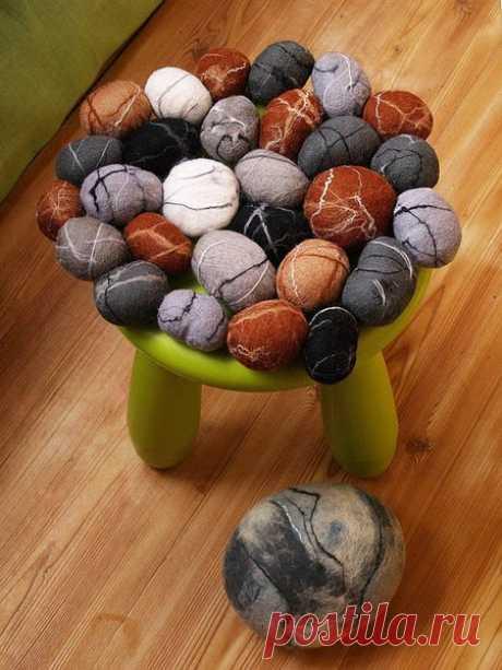 «Шерстяные камни», или необычный эко-коврик